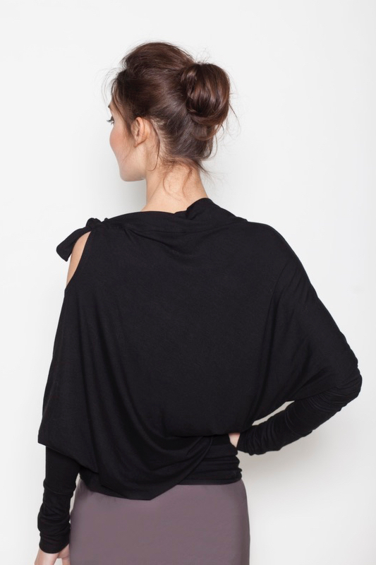 lemuse-black-blouse-with-a-bow-2