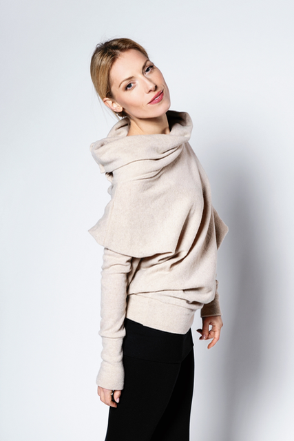 lemuse-creamy-asymmetric-sweater-with-buttons-3_large.jpg