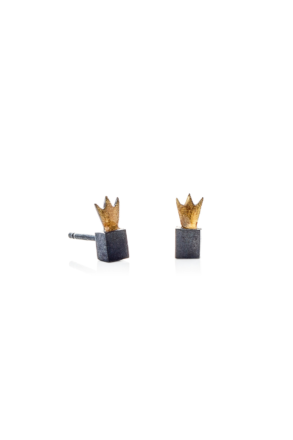 Kiss the Frog oxidised CROWN CUBES earrings