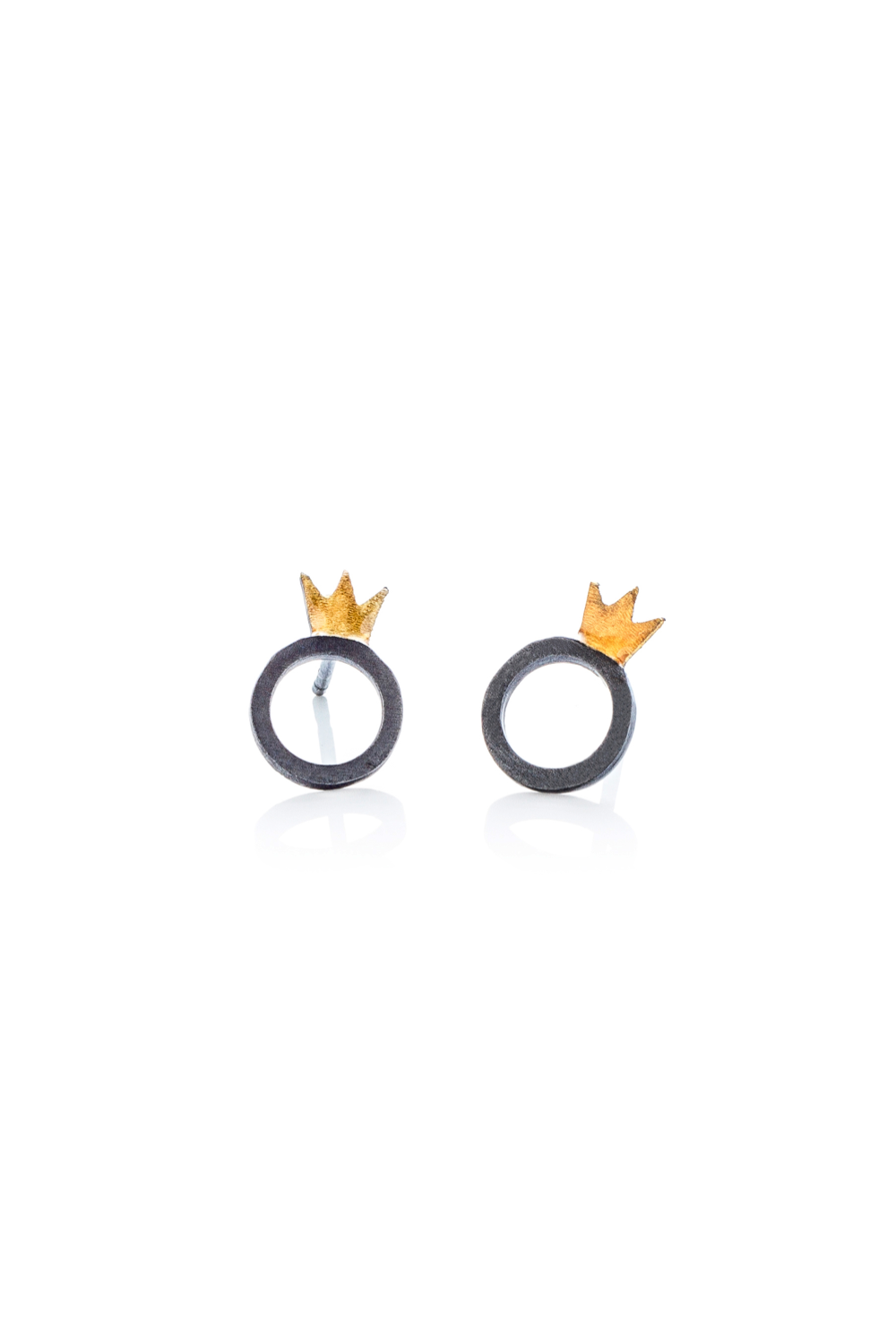 Kiss the Frog oxidised CROWN&ROUND stud earrings