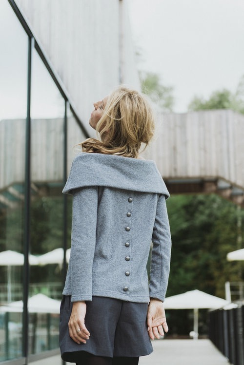LeMuse gray OPEN SHOULDERS symmetric sweater with buttons on the back